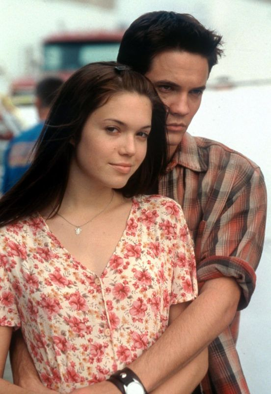 Jan 01, 2002; Hollywood, California, USA; Actress MANDY MOORE as Jamie Sullivan-Carter & SHANE WEST as Landon Rolands Carter in the romantic movie 'A Walk to Remember' directed by Adam Shankman. Mandatory Credit: Photo by Warner Bros./Entertainment Pictures. (©) Copyright 2002 by Courtesy of Warner Bros.
