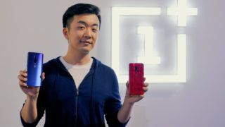 Co-founder and director of the Chinese smartphone maker OnePlus Carl Pei unveils their latest OnePlus 7 and the OnePlus 7 Pro during its launch event in Bangalore, on May 14, 2019. - The  OnePlus 7 series was simultanesously launched globally from three different countries India, US, and Europe. (Photo by MANJUNATH KIRAN / AFP)