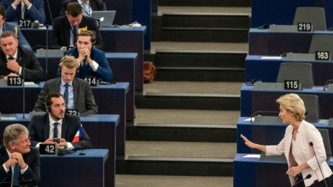 dpatop - 16 July 2019, France (France), Straßburg: Ursula von der Leyen addresses Jörg Meuthen, Co-Federal Spokesman of the AfD (front l) in her application speech to the Members of the European Parliament. Von der Leyen is applying to become the new President of the EU Commission. The heads of state and government of the EU had proposed the CDU politician as successor to EU Commission President Juncker. Photo: Michael Kappeler/dpa