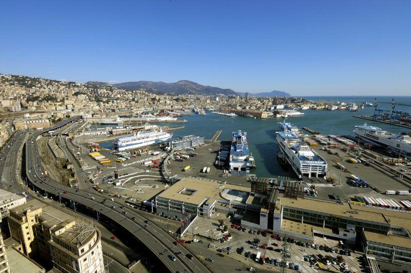 Vue panoramique du port de Genes (Genova), italie ©Luisa Ricciarini/Leemage