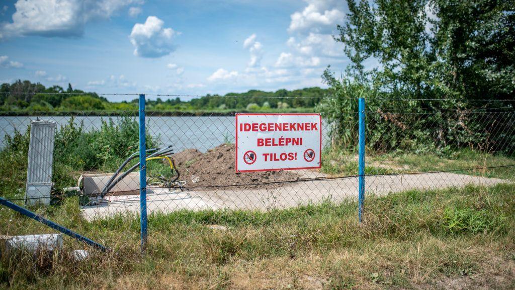 Image: 73910648, A Zichy-tó egy öntözőtóként alkalmazott félig mesterséges tó a Fejér megyei Zichyújfalu külterületén., Place: Budapest, Hungary, Model Release: No or not aplicable, Property Release: Yes, Credit: smagpictures.com