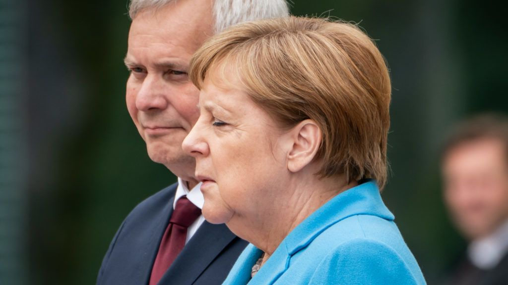 10 July 2019, Berlin: Federal Chancellor Angela Merkel (CDU) receives Finland's new Prime Minister Antti Rinne with military honours before the Federal Chancellery. Photo: Michael Kappeler/dpa