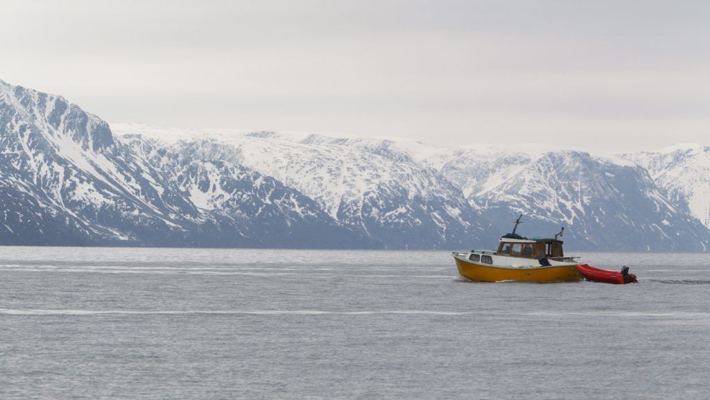 Storekorsnes, 2015. május 13. Halászhajó a Norvég-tengeren az észak-norvégiai Storekorsnesnél 2015. május 16-án. MTI Fotó: Varga György