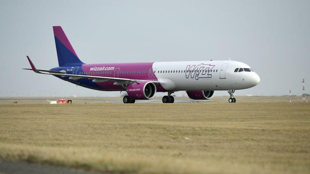 Budapest, 2019. március 7. A magyar hátterû Wizz Air diszkont légitársaság elsõ Airbus A321neo típusú, halkabban és gazdaságosabban üzemeltethetõ repülõgépe a Liszt Ferenc-repülõtér betonján 2019. március 7-én. A Wizz Air új repülõgépein az A321-esekhez képest kilenccel több, összesen 239 ülõhely található, hatótávolságuk 6500 kilométer. MTI/Koszticsák Szilárd
