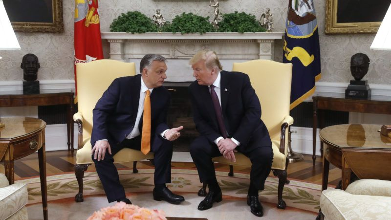 Washington, 2019. május 13. Donald Trump amerikai elnök (j) és Orbán Viktor miniszterelnök megbeszélést folytat a washingtoni Fehér Ház Ovális irodájában 2019. május 13-án. MTI/Koszticsák Szilárd