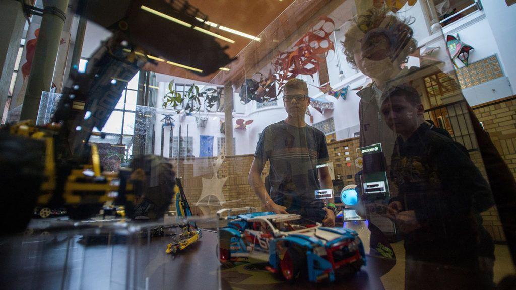 Budapest, 2019. január 12.Résztvevők a FIRST Lego League (FLL) robotverseny budapesti döntőjén az Alternatív Közgazdasági Gimnáziumban 2019. január 12-én.MTI/Balogh Zoltán