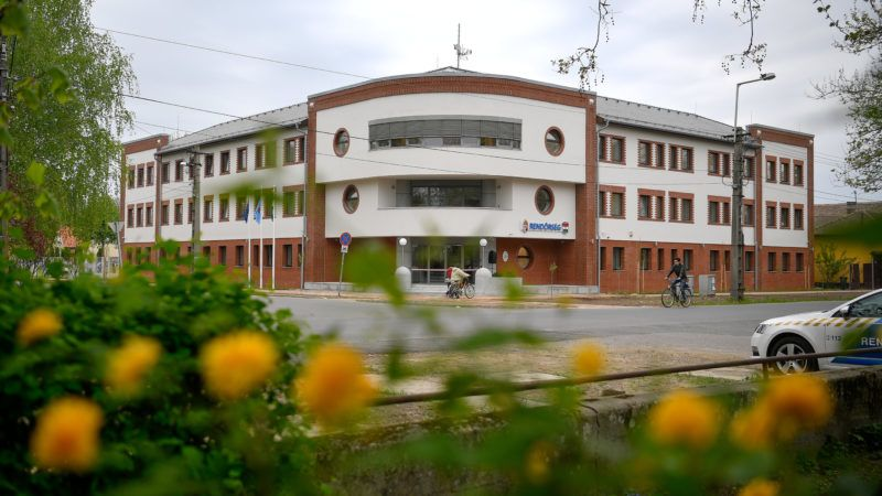 Karcag, 2019. április 23. A városi rendõrkapitányság új épülete az avatás napján, 2019. április 23-án. MTI/Czeglédi Zsolt
