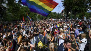 Budapest, 2018. július 7. Az LMBTQ-közösség (leszbikus, meleg, biszexuális, transznemû és queer emberek) fesztiválja, a 23. Budapest Pride felvonulásának résztvevõi gyülekeznek a fõvárosi Városligeti fasorban 2018. július 7-én. MTI Fotó: Mónus Márton