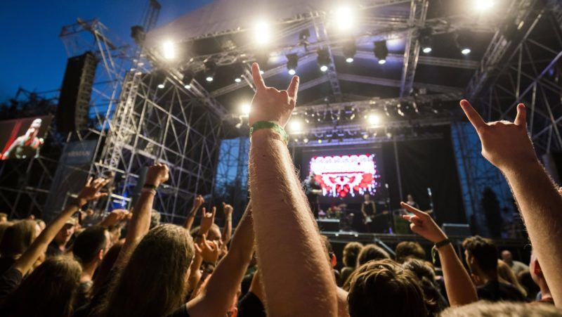Székesfehérvár, 2017. augusztus 4. Közönség az orosz-osztrák Russkaja együttes koncertjén a jubileumi, 20. Fezen fesztiválon Székesfehérváron 2017. augusztus 3-án este. MTI Fotó: Mohai Balázs