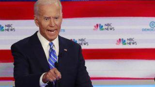 Miami, 2019. június 28. Joe Biden korábbi amerikai alelnök (b) és Bernie Sanders vermonti szenátor a demokrata párti elnökjelölt-aspiránsok televíziós vitaestjén a floridai Miamiban 2019. június 27-én. MTI/AP/Wilfredo Lee