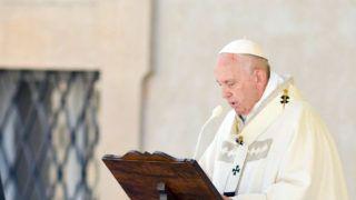 Camerino, 2019. június 16. Ferenc pápa misét pontifikál a 2016-ban földrengés sújtotta közép-olaszországi Camerino városban 2019. június 16-án. MTI/EPA-ANSA/Fabio Falcioni