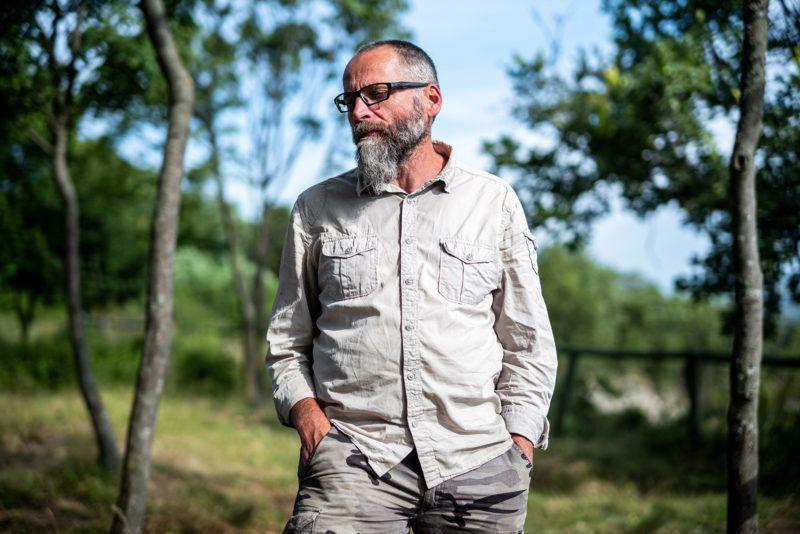 Nagy Bal� geogr�s, az ELTE Term�etf�ajzi Tansz�nek oktat� a F��magazin f�rkeszt�