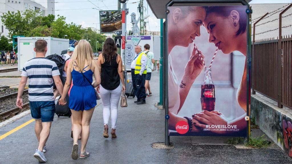 Image: 73912842, Váratlanul nagy felháborodás tört ki a Coca-Cola azonos nemûek közti szerelem elfogadását hirdetõ reklámjai miatt Magyarországon., Place: Budapest, Hungary, Model Release: No or not aplicable, Property Release: Yes, Credit: smagpictures.com