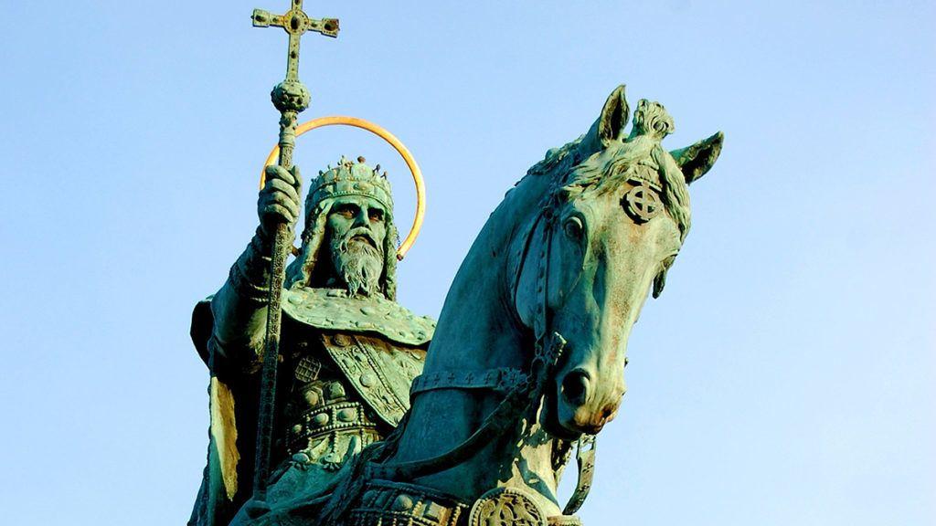 Budapest, 2018. március 7.Államalapító Szent István király lovasszobra a budai Várban, a Szentháromság téren. Stróbl Alajos alkotása 1906-ból.MTVA/Bizományosi: Jászai Csaba ***************************Kedves Felhasználó!Ez a fotó nem a Duna Médiaszolgáltató Zrt./MTI által készített és kiadott fényképfelvétel, így harmadik személy által támasztott bárminemű – különösen szerzői jogi, szomszédos jogi és személyiségi jogi – igényért a fotó készítője közvetlenül maga áll helyt, az MTVA felelőssége e körben kizárt.