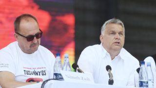 Tusnádfürdõ, 2019. július 27. Orbán Viktor miniszterelnök (j) és Németh Zsolt, az Országgyûlés külügyi bizottságának fideszes elnöke a 30. Bálványosi Nyári Szabadegyetem és Diáktáborban (Tusványos) az erdélyi Tusnádfürdõn 2019. július 27-én. MTI/Koszticsák Szilárd