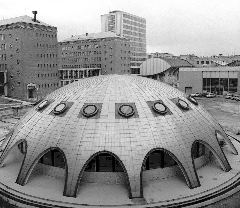 Budapest, 1970. november 10. A magyarországi mérnökképzésben mérföldkő volt 1782. augusztus 30-a, amikor II. József megalapította a budai/pesti egyetem keretében működő Mérnöki Intézetet (Institum Geometricim), az első mérnökképző intézményt Európában. Az iskola 1782. november 1-jén nyílt meg, majd 1856-ban egyesült a József Ipartanodával és önálló intézményként  működött tovább. Az intézet - amely a mai Budapesti Műszaki Egyetem elődje volt - 1850-ig működött. (Az egyetem 2000 óta Budapesti Műszaki és Gazdaságtudományi Egyetem néven működik.)       A képen: befejezés előtt az egyetem kisérleti atomreaktora. MTI Fotó: Mező Sándor