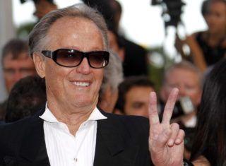 Cannes, 2011. május 17. Peter FONDA amerikai színész megérkezik a The Beaver címû film vetítésére a 64. Cannes-i Nemzetközi Filmfesztiválon. Az alkotást a fesztivál versenyprogramján kívül vetítik. (MTI/EPA/Guillaume Horcajuelo)