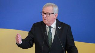 Kijev, 2019. július 8. Jean-Claude Juncker, az Európai Bizottság elnöke sajtóértekezletet tart a 21. EU-ukrán csúcstalálkozón Kijevben 2019. július 8-án. MTI/EPA/Szerhij Dolzsenko