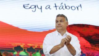 Tusnádfürdõ, 2019. július 27. Orbán Viktor miniszterelnök elõadása elõtt a 30. Bálványosi Nyári Szabadegyetem és Diáktáborban (Tusványos) az erdélyi Tusnádfürdõn 2019. július 27-én. MTI/Koszticsák Szilárd