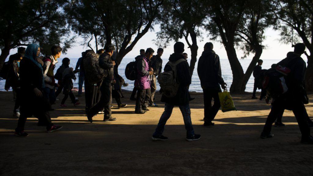 24 ezer menekült zsúfolódik a görög szigeten, katasztrófára figyelmeztetnek