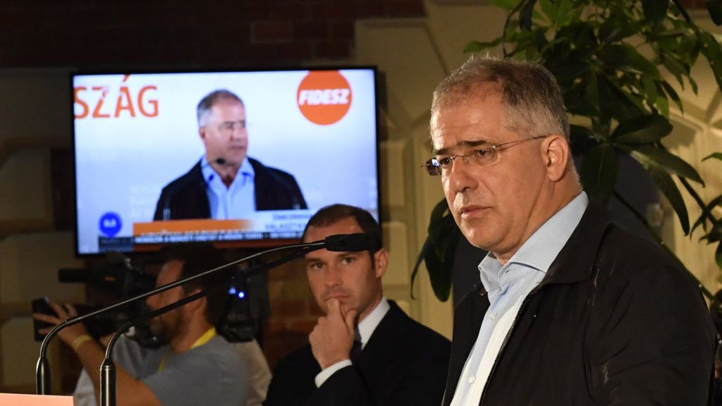 Borkai orgiabotránya miatt újabb választást pedzeget Kósa Lajos