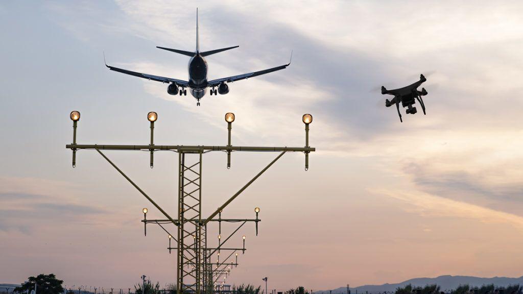 Ha megtalálják, börtönbe is kerülhet a reptéri drónozó