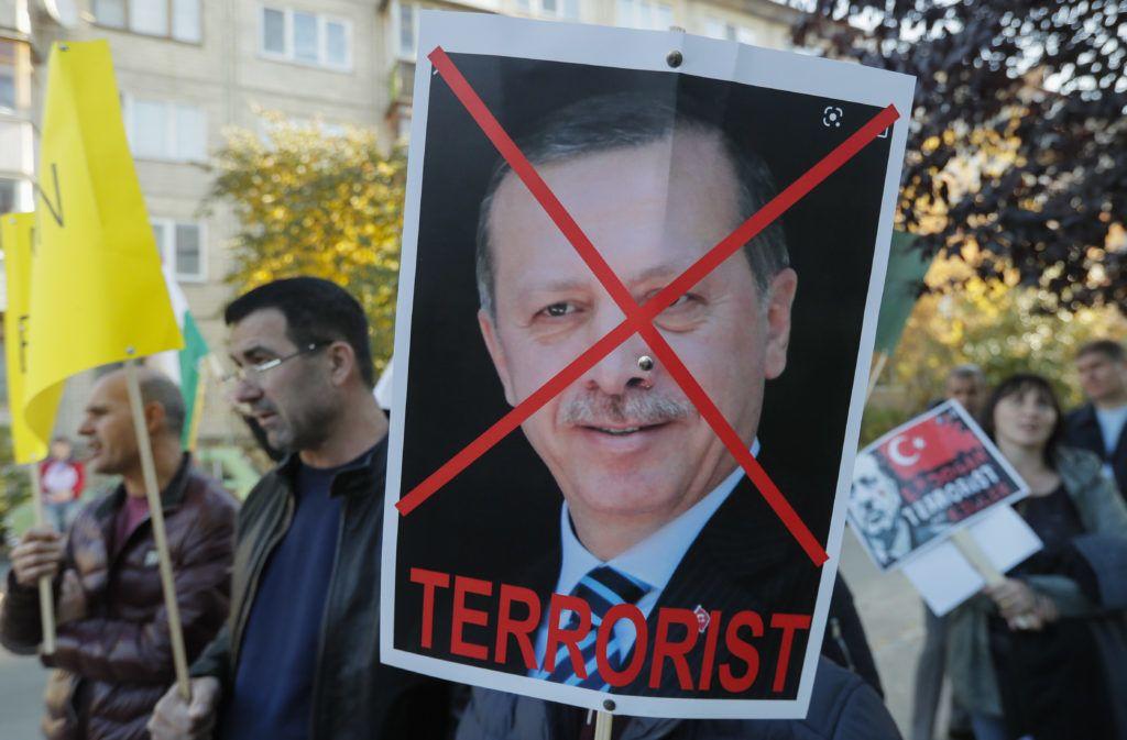 Európai Tanács: Törökországnak fel kell hagynia a hadműveletekkel Szíriában