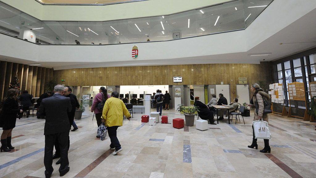 Alaposan átszabják a kormányhivatalokat, elveszik az építésügyet az önkormányzatoktól