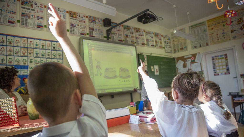 Szülők mondták el, hány sebből vérzik a hazai nyelvoktatás