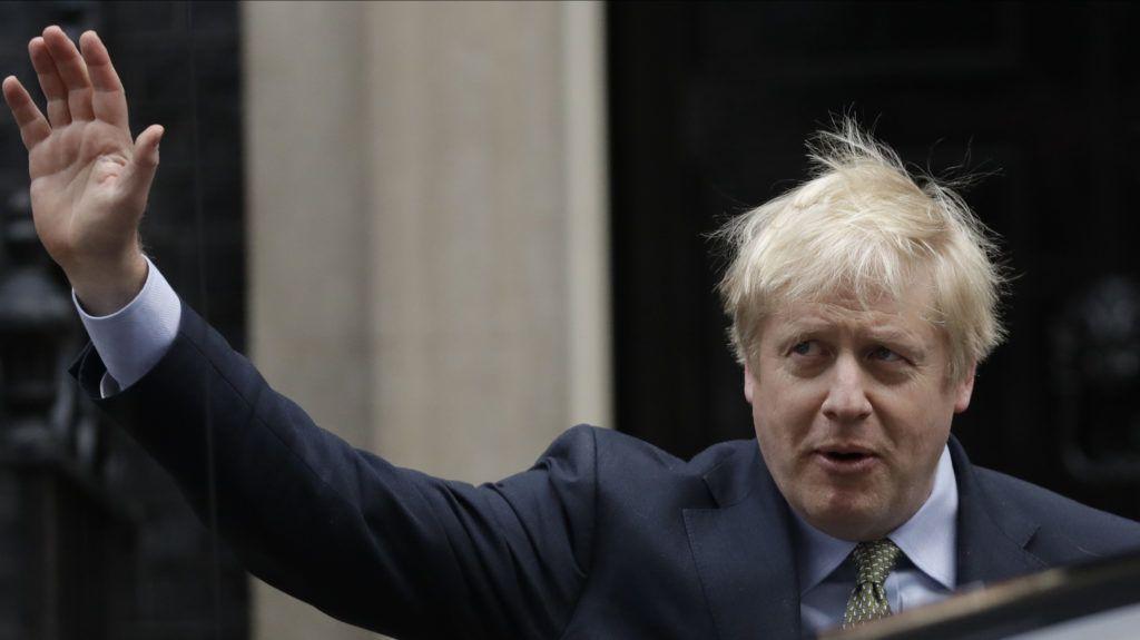 Boris Johnson: A brexit ellenzői tömjenek zoknit a megafonba