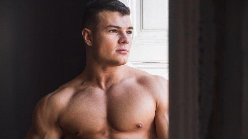 Haditengerészettel randizom manhattan randevú