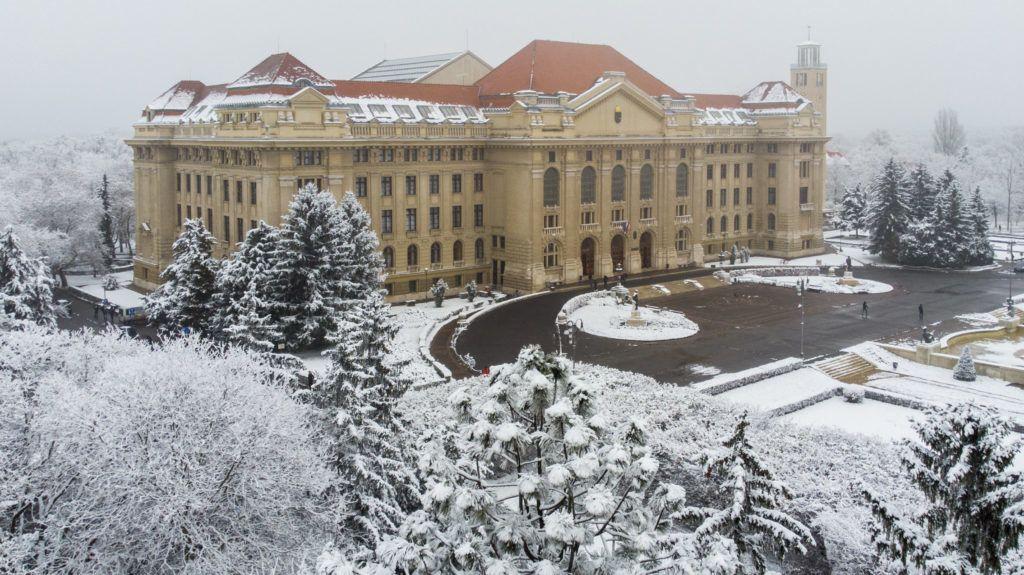 A Debreceni Egyetem a koronavírus miatt arra kéri ötszáz ázsiai hallgatóját, ne utazzanak haza