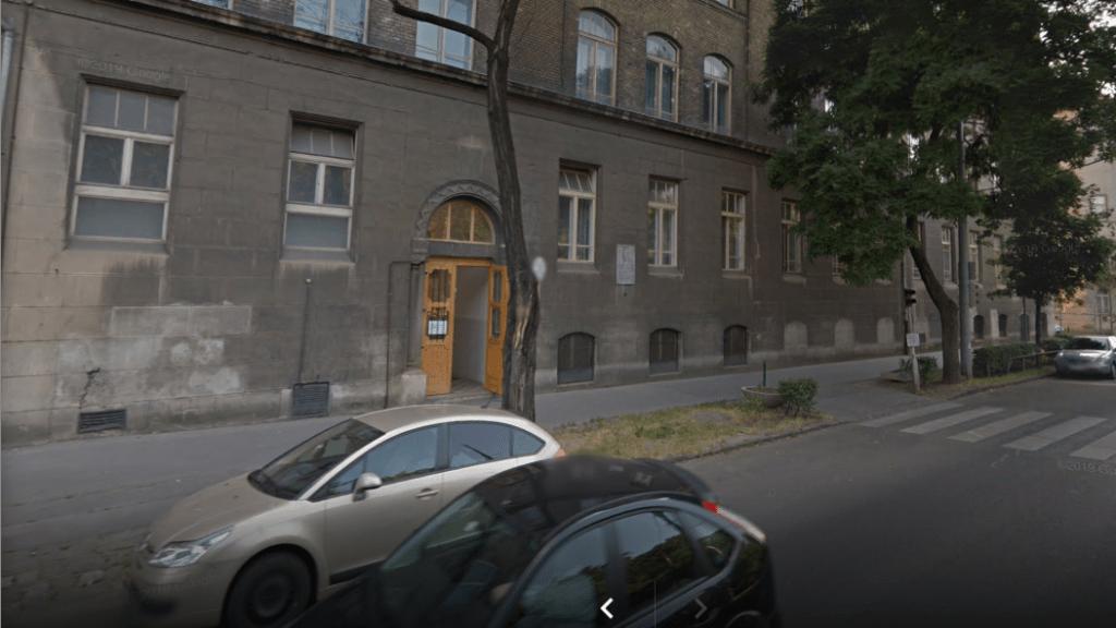 """""""Adminisztrációs hiba miatt"""" nem újították fel azt a ferencvárosi iskolát, ahová a kerületi romák járnak"""