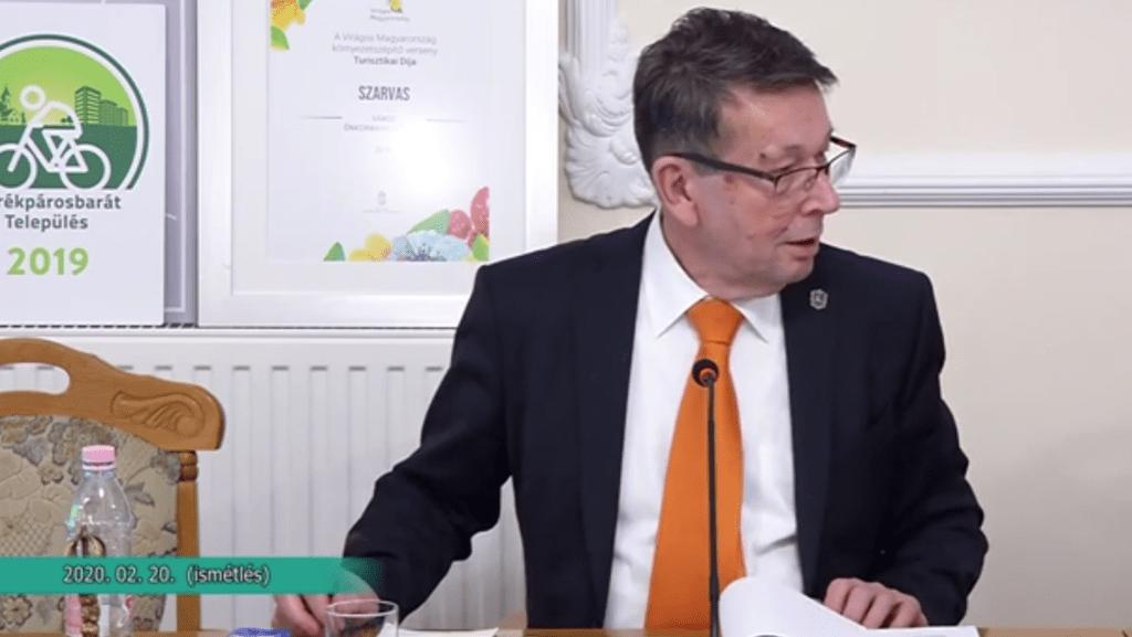 Szarvasi polgármester: Elnézést kérek, kutya bunkó voltam