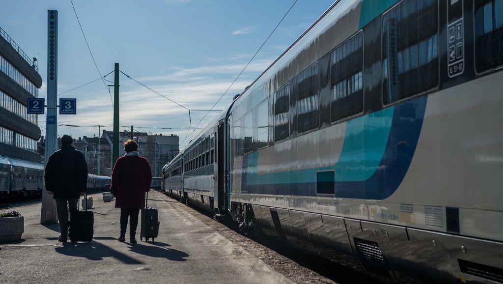 Ha a kormány nem lép, figyelmeztető sztrájkot indítanak a vasúti dolgozók