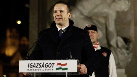Fideszes védőernyő alatt masírozhat újra az utcán a szélsőjobb