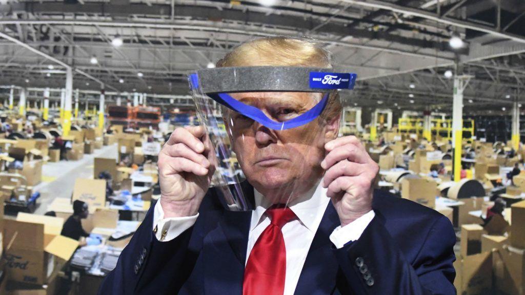 Trump a munkaügyi adatokról: Reméljük, George Floyd lenéz ránk, és azt mondja, nagyszerű nap ez mindannyiunknak