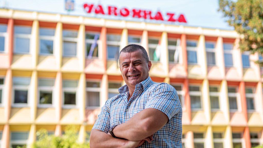 Megtiltaná az utcai alkoholfogyasztást a siófoki polgármester