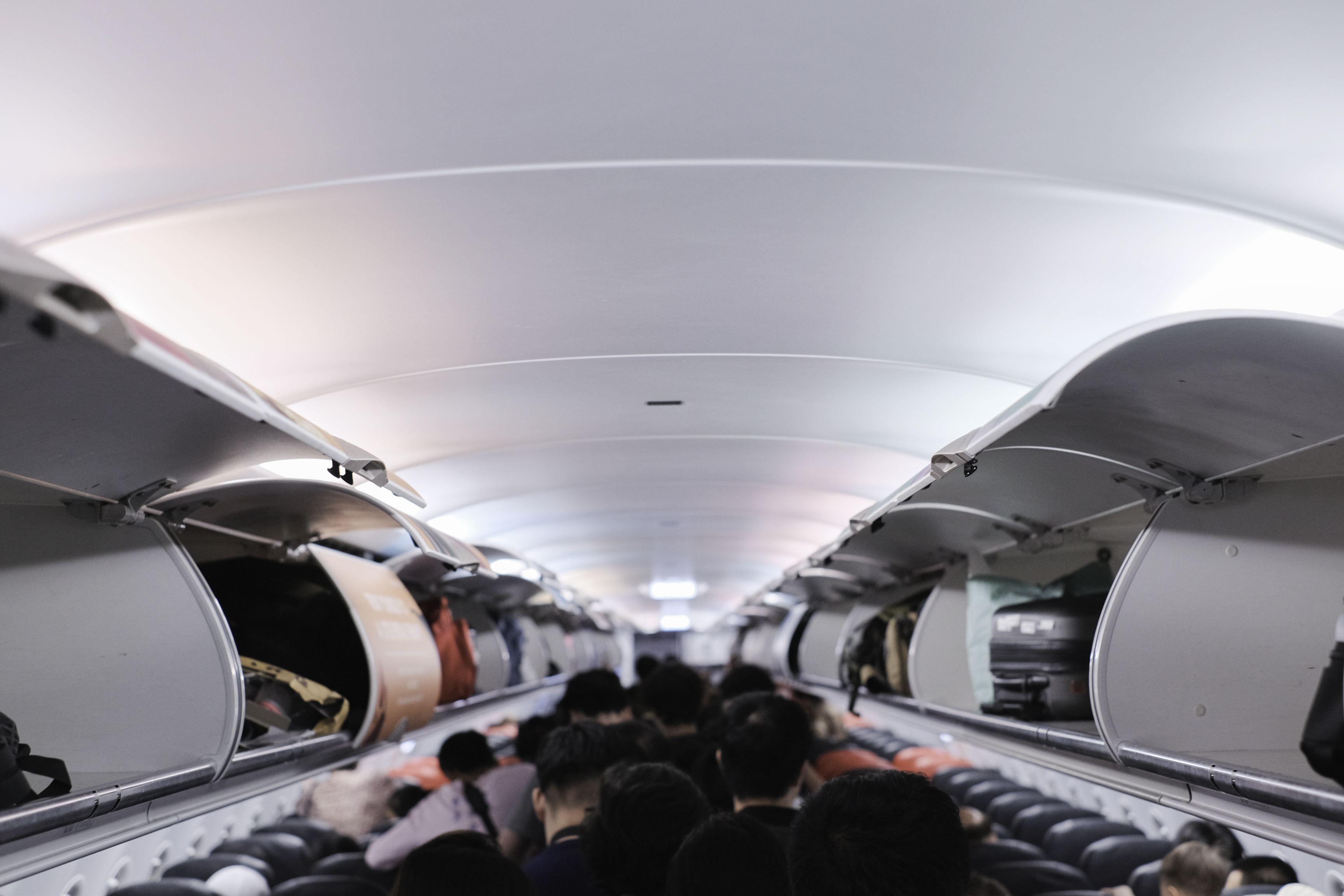 Veszélytelenebb a koronavírus-járvány alatt repülőre ülni, mint gondolnánk