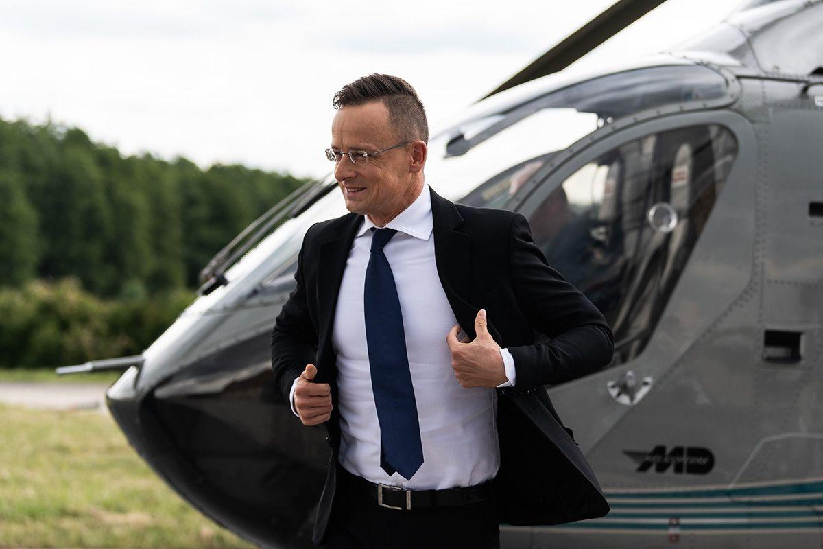 A rendőrségnek vették tripla áron, de Szijjártó is repked a szolgálati helikopterrel