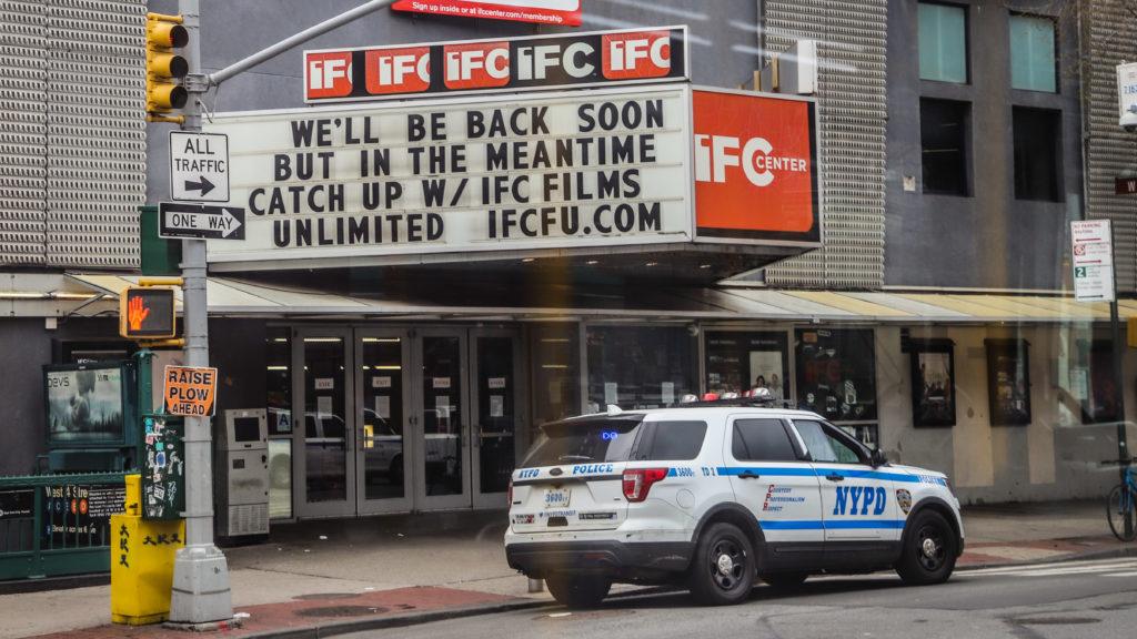 Bezárt mozi New Yorkban