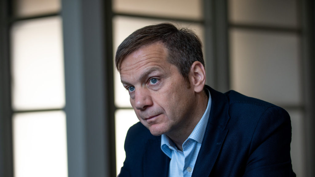 Demeter Szilárd kirúgását követeli Orbántól Bajnai Gordon