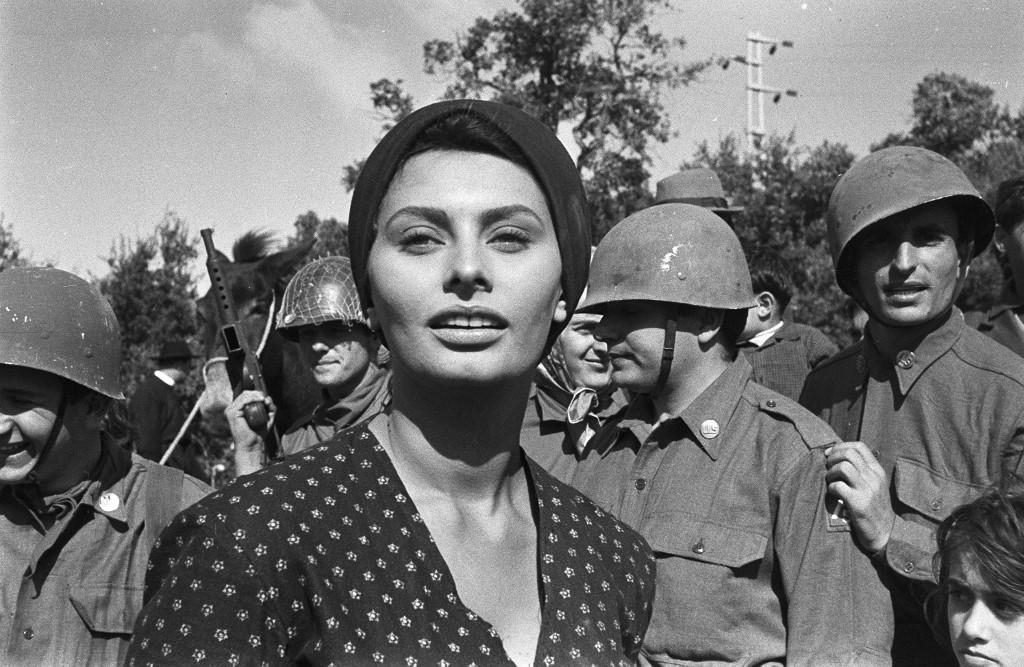 Sophia Lorenről 86 évesen is lepereg a giccs