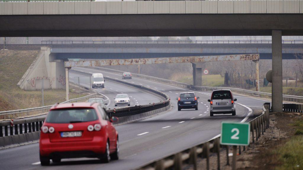 Az autópályák ingyenessé tételét kezdeményezi az MSZP