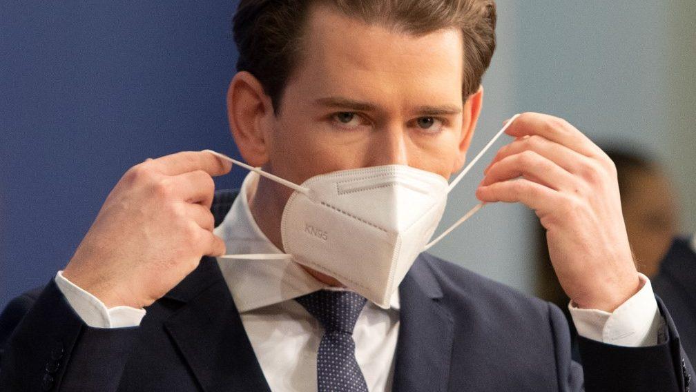 Kétméteres távolságtartás, FFP2-es maszk – Szigorítanak Ausztriában