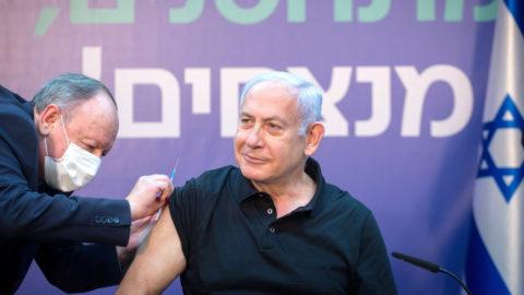 A koronavírus-vakcina homoszexualitást okoz – hirdeti egy népszerű rabbi