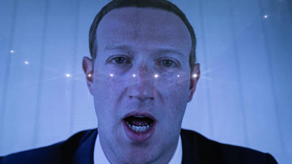 Tavasszal jön a magyar Facebook-törvény
