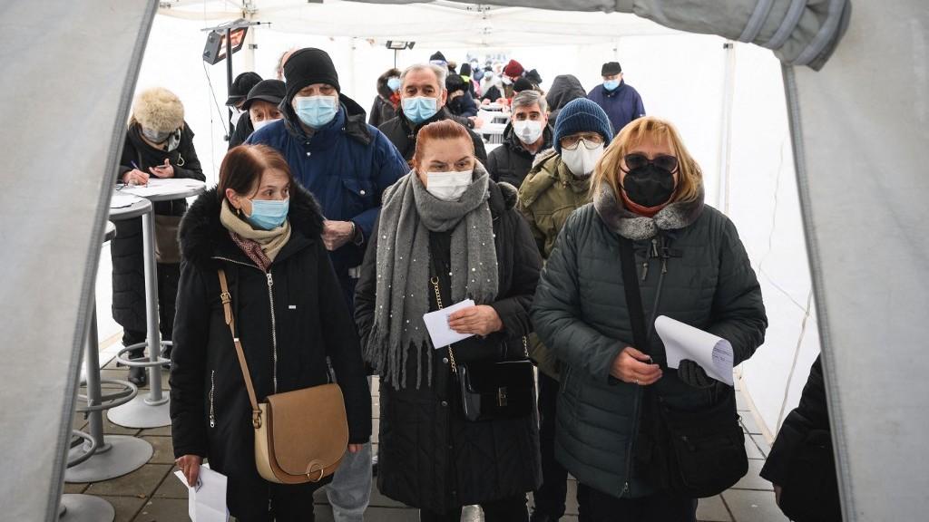 Már 1,2 millió embert beoltottak, mégis egyre több a fertőzött Szerbiában