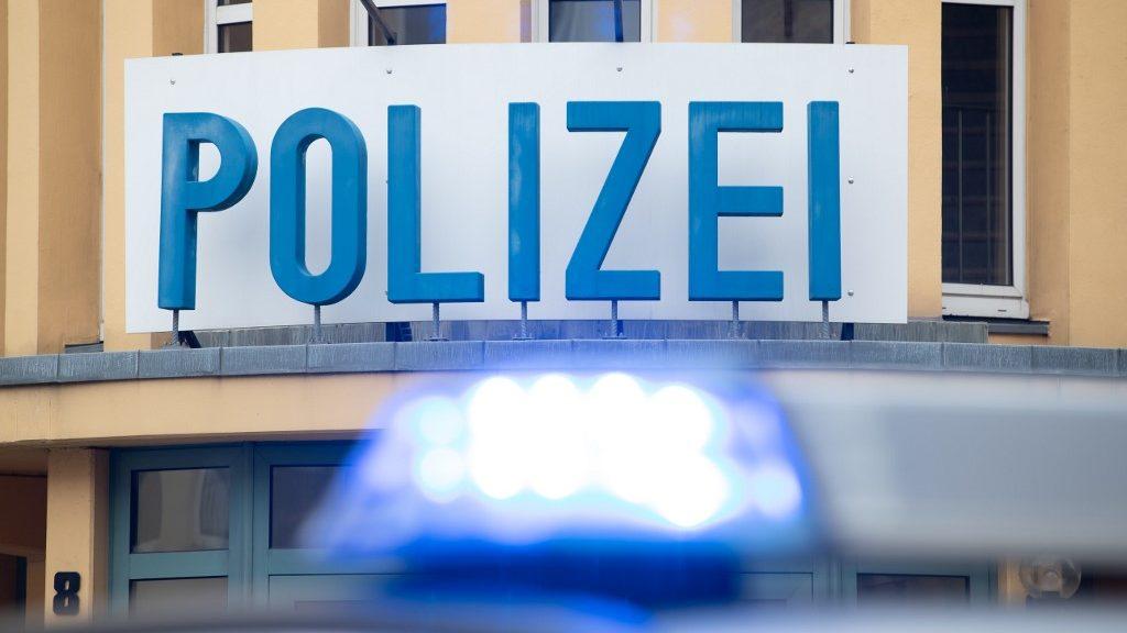 Letartóztatták a neonáci osztrák rappert, akire terrorista is hivatkozott
