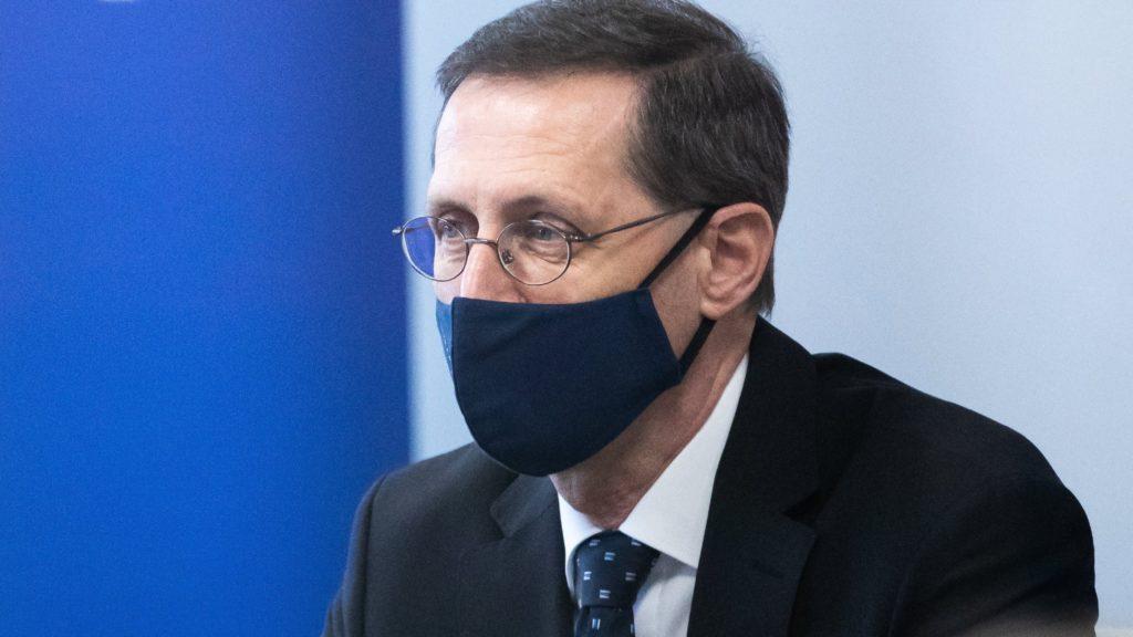 Varga Mihály: Meglepő számokat várunk